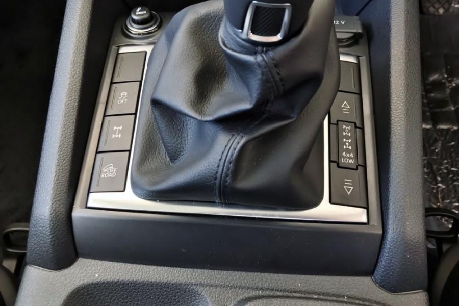 2017 Volkswagen Amarok 2H Core Plus Dual Cab 4x4 Utility crew cab
