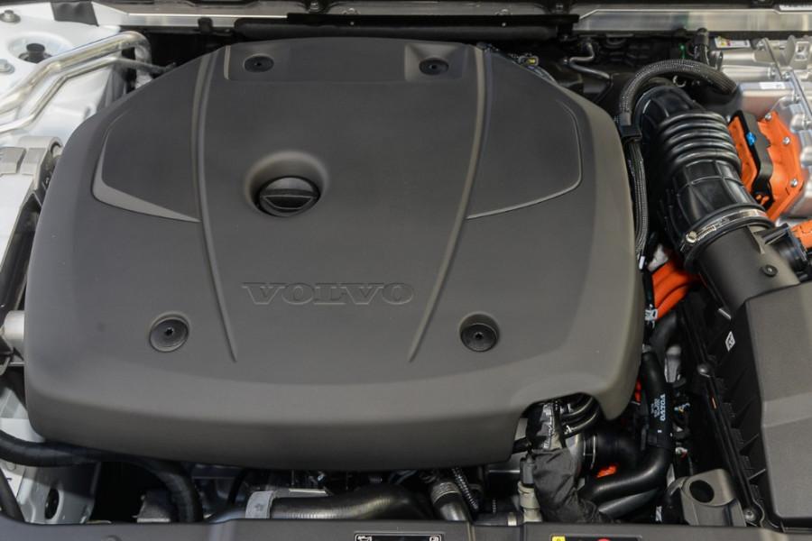 2019 MY20 Volvo S60 Z Series T8 R-Design Sedan Mobile Image 22