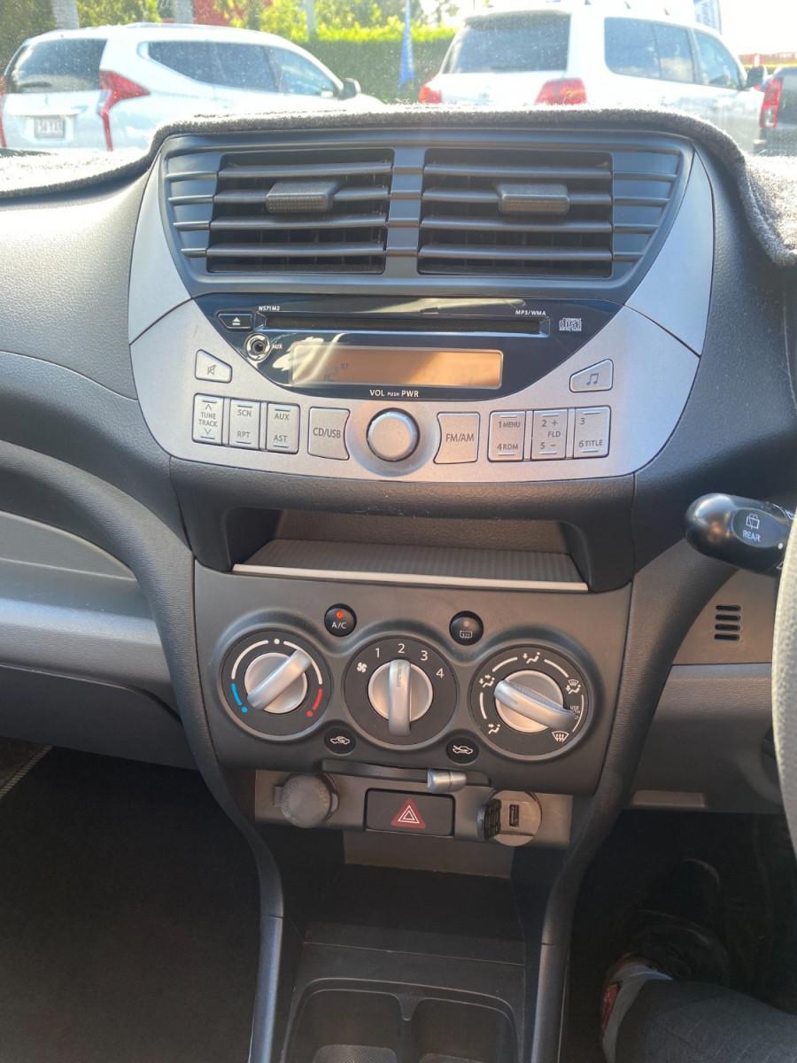 2012 Suzuki Alto GF GL Hatchback Image 12
