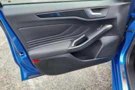 2019 MY19.75 Ford Focus SA  ST-Line Hatchback Mobile Image 16
