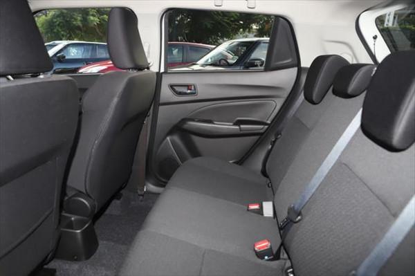 2020 Suzuki Swift AZ GLX Hatchback image 10