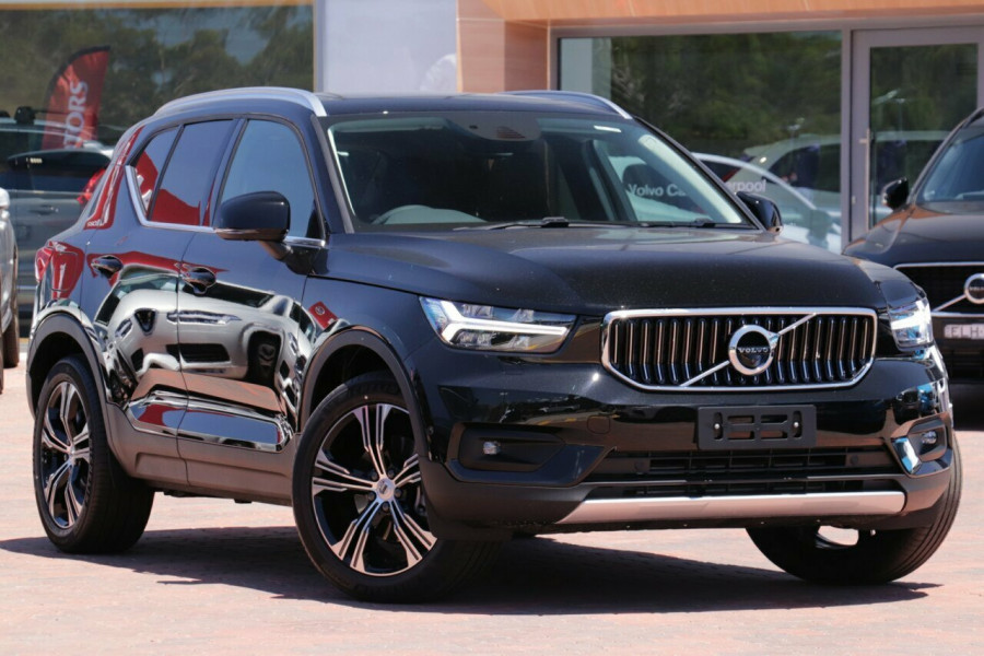 2020 Volvo XC40 XZ T4 Inscription Suv Image 1