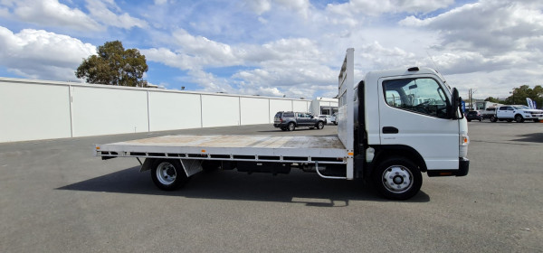 2013 Fuso Canter 918 Tray Image 2