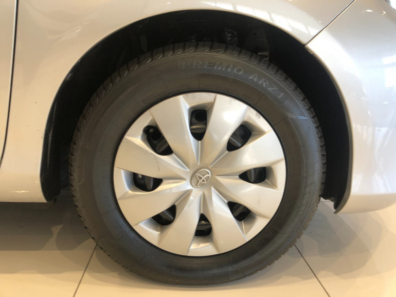 2013 Toyota Yaris NCP130R YR Hatchback Image 13