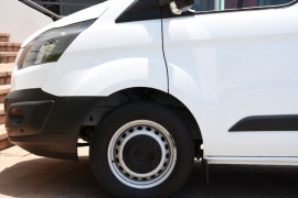 2015 Ford Transit Custom VN 330L Van Image 5