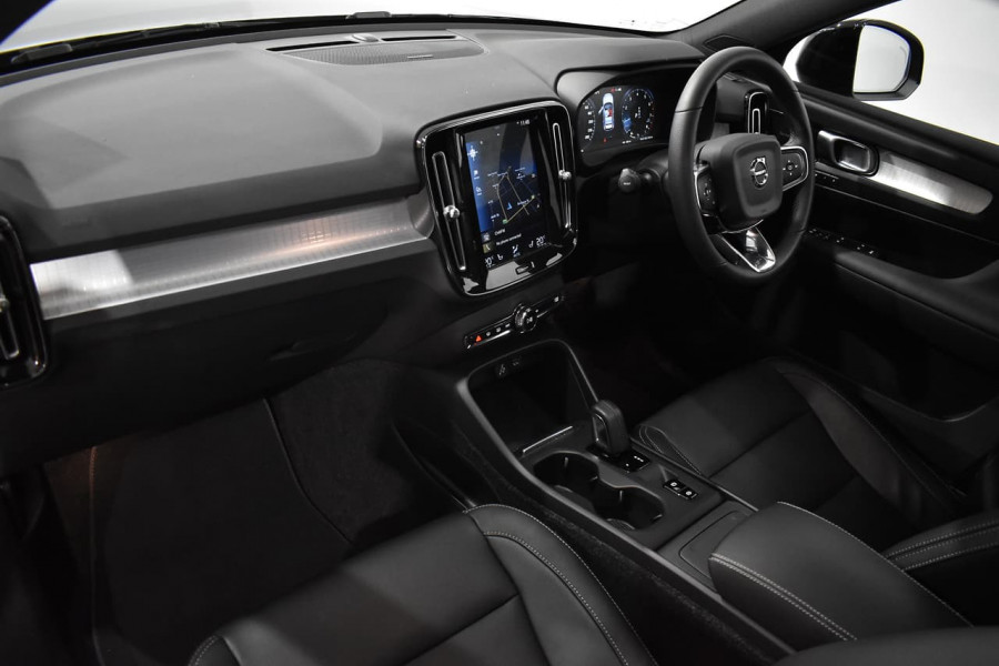 2019 Volvo Xc40 (No Series) MY19 T4 Momentum Suv Mobile Image 7