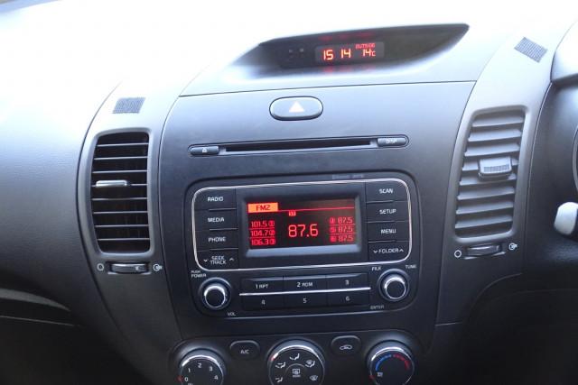 2014 Kia Cerato Hatch S 21 of 25