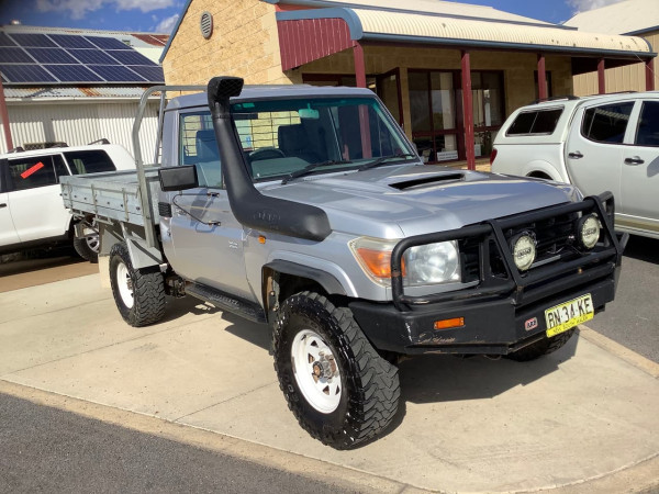 2007 Toyota Landcruiser VDJ79R Workmate Cab chassis