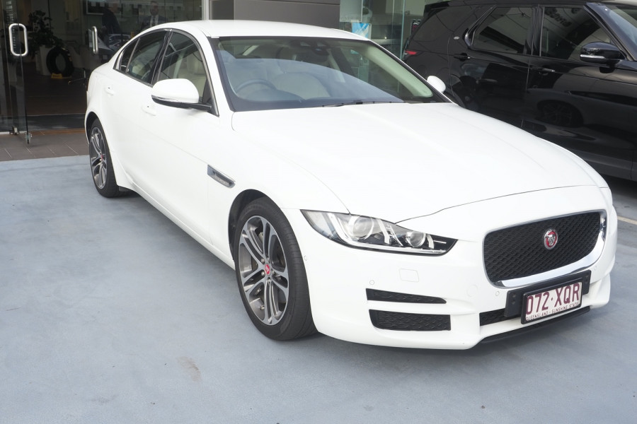 2015 MY16 Jaguar Xe X760 MY16 20t Sedan