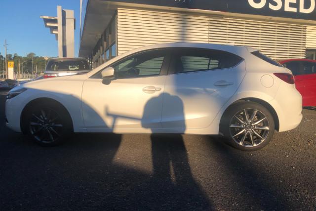 2018 Mazda 3 Hatchback Image 4