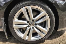 2011 Volkswagen Passat Type 3C MY11 V6 FSI Sedan Image 2