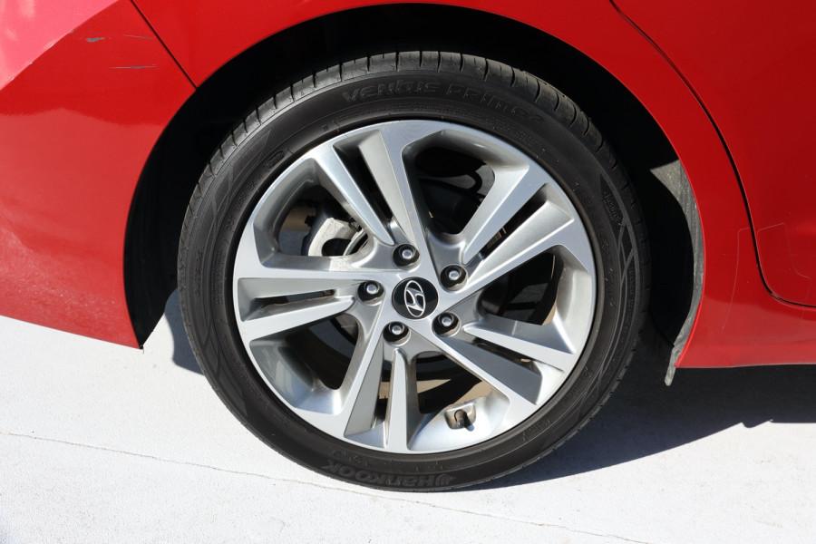 2018 Hyundai Elantra AD Trophy Sedan Image 5
