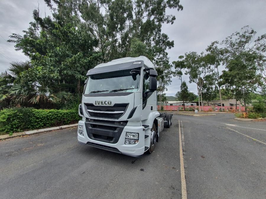 2019 Iveco X-way 6x4 Truck Image 2
