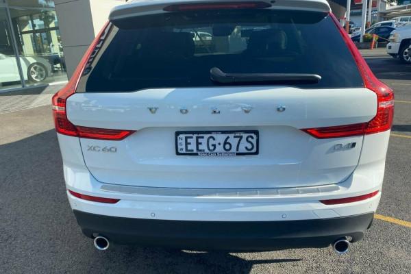 2019 MY20 Volvo XC60 UZ MY20 D4 AWD Momentum Suv Image 4