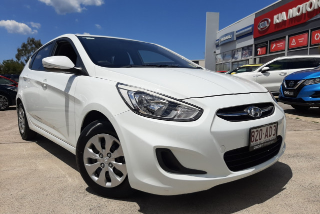 2015 MY16 Hyundai Accent RB3  Active Hatchback Image 2