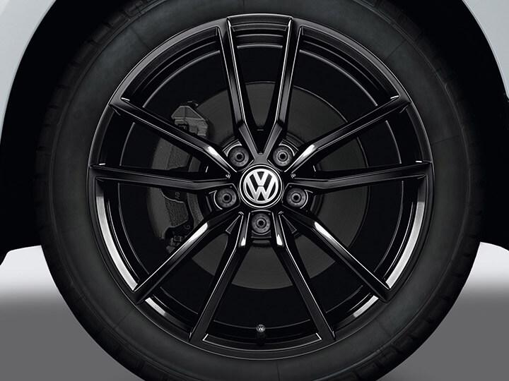 "18"" Black pretoria alloy wheel"