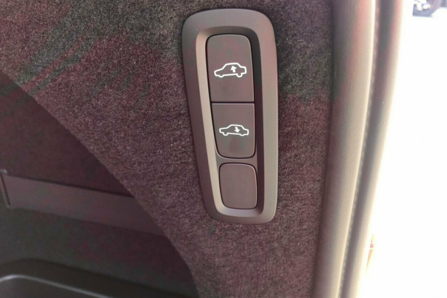 2018 MY19 Volvo XC90 L Series T6 Inscription Suv Mobile Image 11