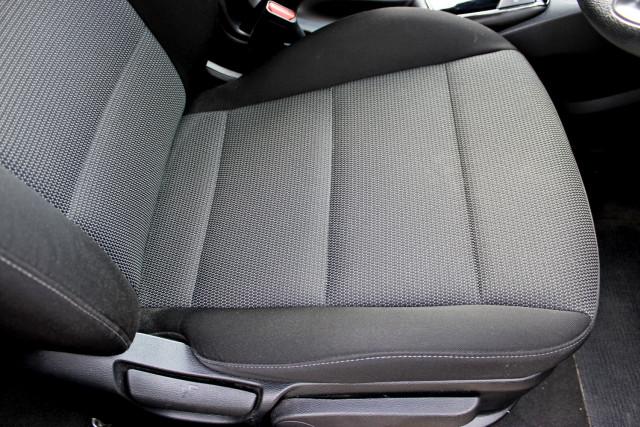 2017 Kia Cerato YD  S Hatchback Mobile Image 13