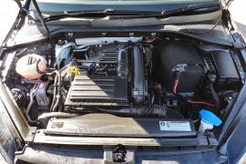 2016 Volkswagen Golf 7 92TSI Hatch Image 3