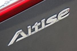 2013 Toyota Camry ASV50R Sedan