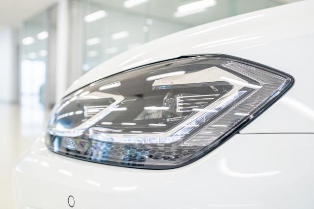 2017 MY18 Volkswagen Golf 7.5 R Grid Edition Hatch Image 10