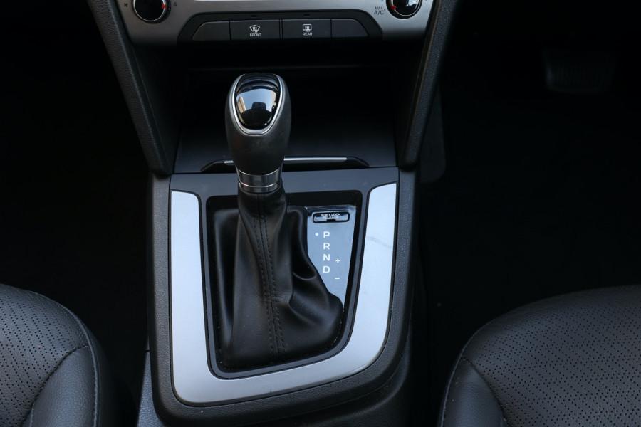 2018 Hyundai Elantra AD Trophy Sedan Image 11