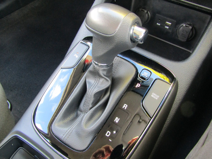 2018 Kia Cerato YD S Hatchback Image 19