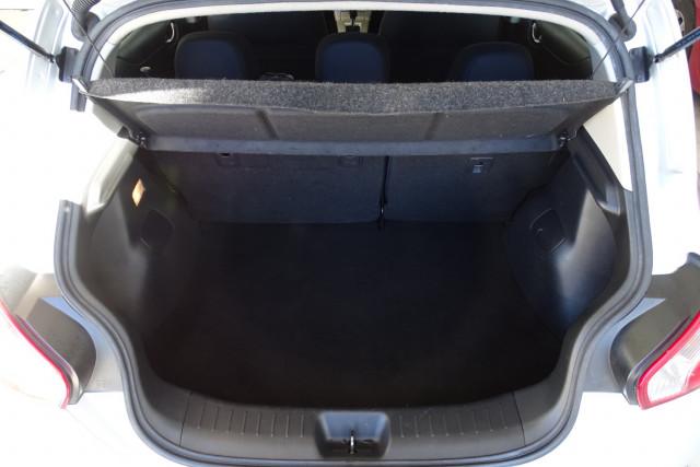 2014 Nissan Pulsar Hatch ST 15 of 29