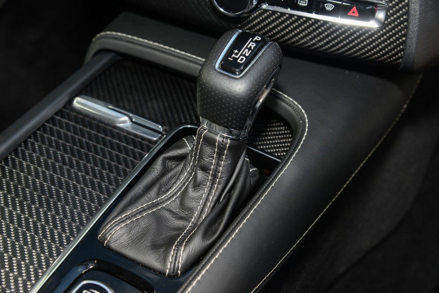 2018 Volvo XC90 L Series D5 R-Design Suv Mobile Image 12