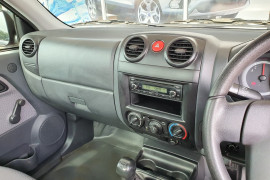 2008 Holden Rodeo Cab chassis Mobile Image 14