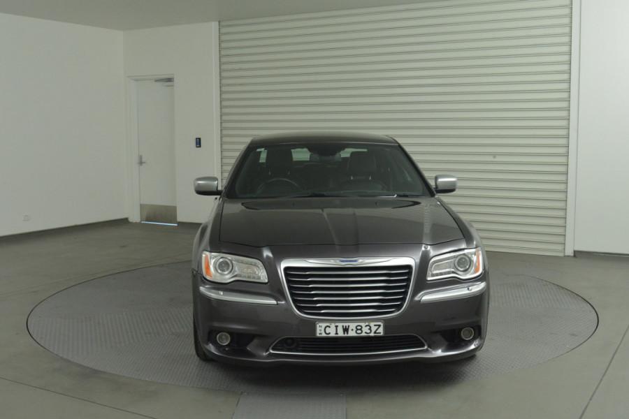 2012 MY13 Chrysler 300 LX C Sedan Mobile Image 4