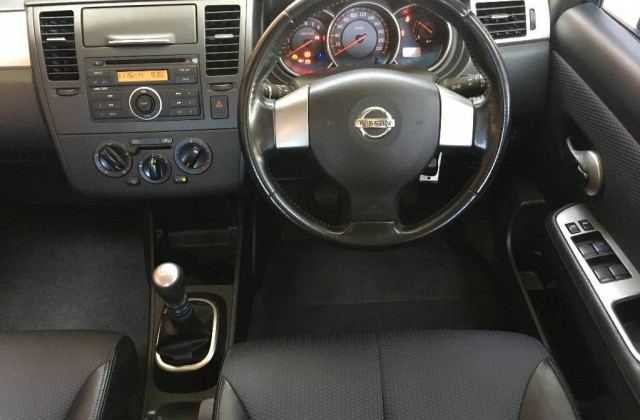 2006 Nissan Tiida C11 ST Hatchback