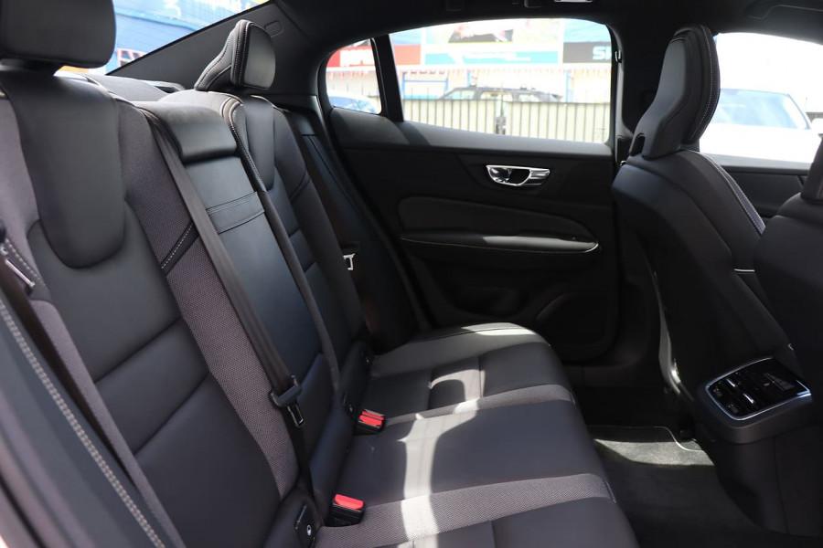 2020 Volvo S60 Z Series T5 R-Design Sedan Mobile Image 18