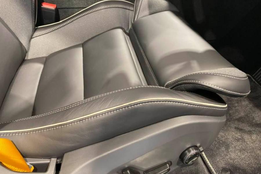 2020 Volvo XC60 T8 Polestar 2.0L T/P 235kW 8AT Suv Mobile Image 12