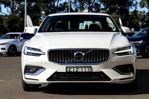2020 Volvo S60 Z Series T5 Inscription Sedan Image 2