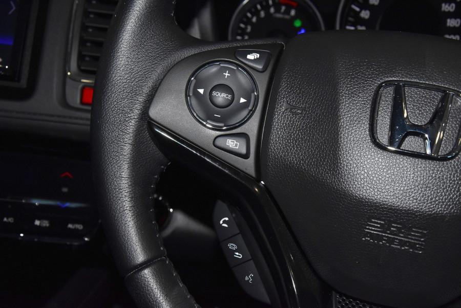 2015 Honda HR-V VTi-S Suv Image 15