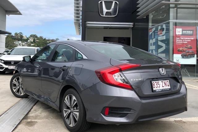 2019 Honda Civic Hatch 10th Gen VTi-L Sedan Image 2