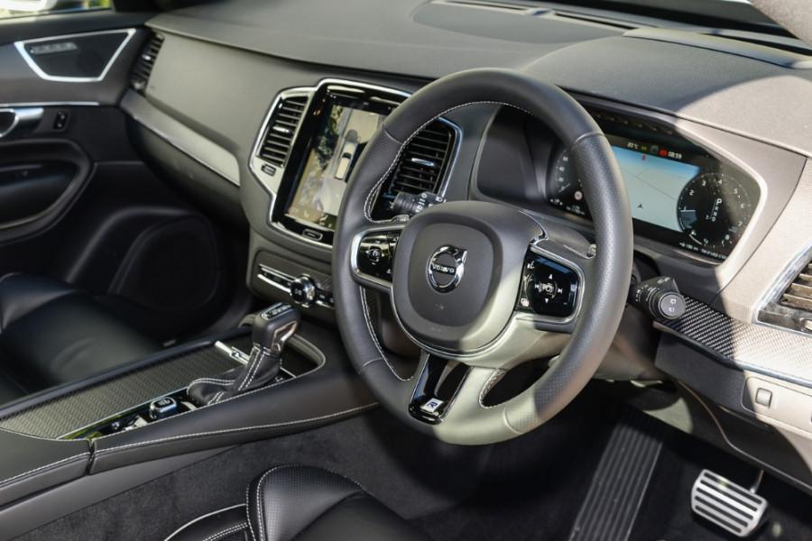 2017 Volvo XC90 L Series T6 R-Design Suv Mobile Image 6