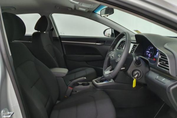 2019 Hyundai Elantra AD.2 Active Sedan Image 3