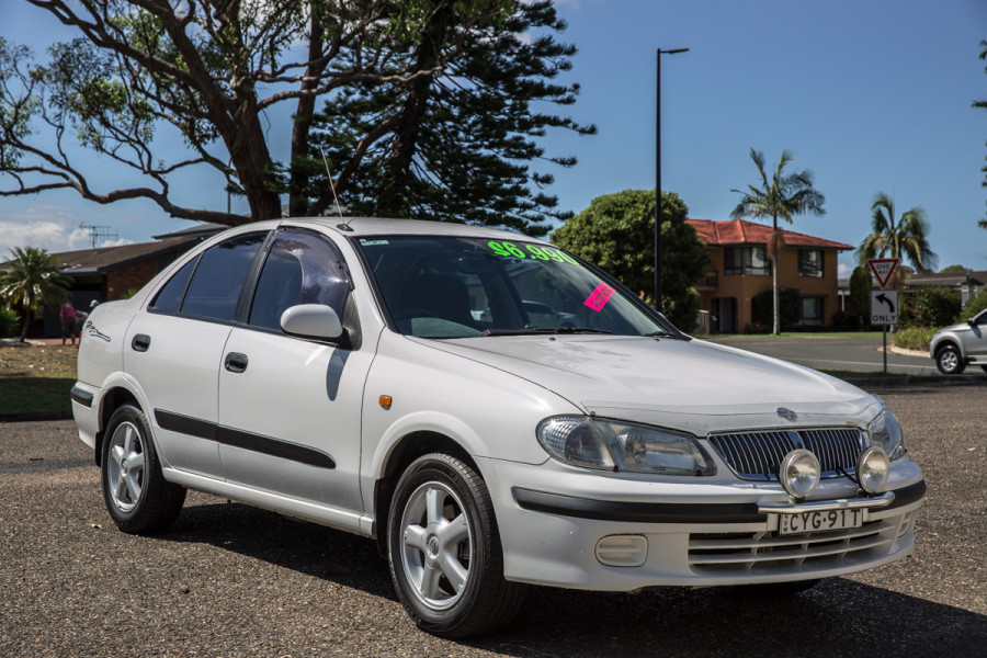 2000 Nissan Pulsar N16 LX Sedan