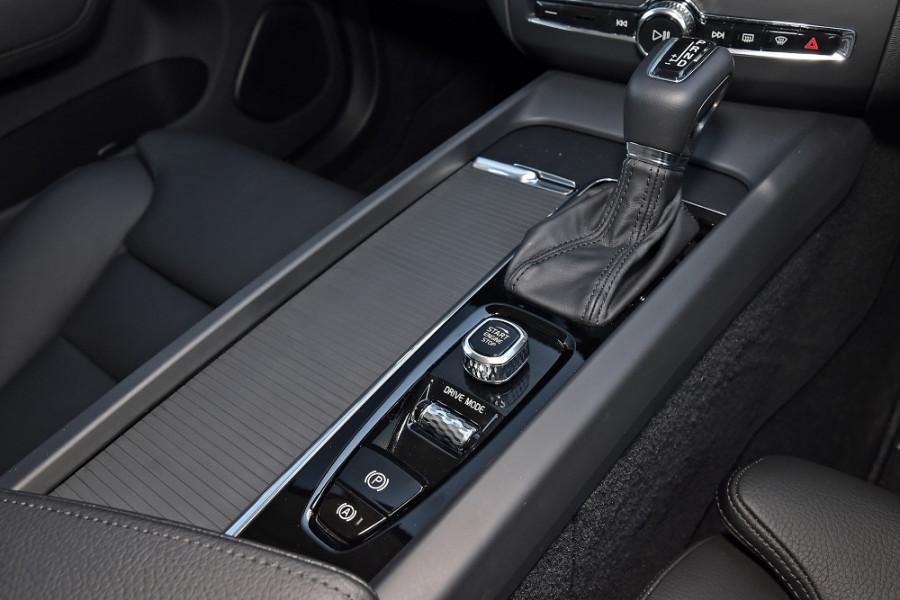 2019 Volvo XC60 UZ T5 Momentum Suv Mobile Image 18