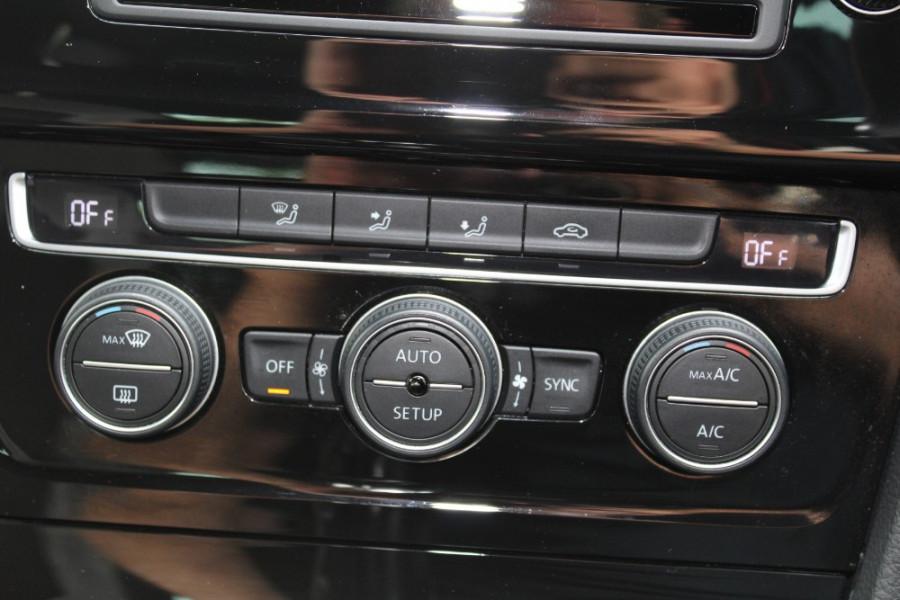2014 Volkswagen Golf 7 R Hatchback