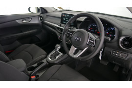 2021 MY1  Kia Cerato BD S with Safety Pack Hatchback Image 5