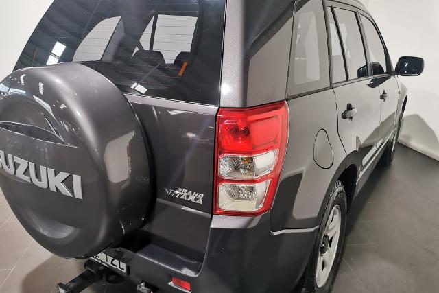 2011 Suzuki Grand Vitara JB Suv Image 4