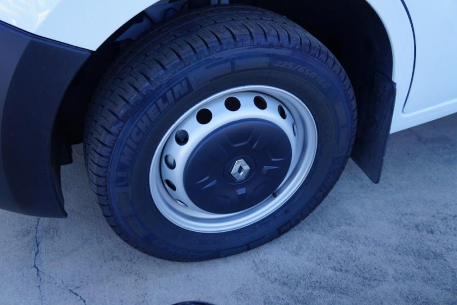 2018 Renault Master Van X62 Medium Wheelbase Van