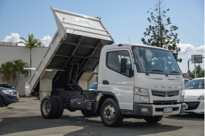 2013 Fuso Canter 715 Tipper Image 4