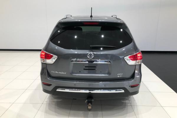 2016 Nissan Pathfinder R52 Series II ST 4x4 wagon Image 5