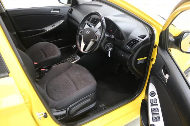 2018 Hyundai Accent RB6 MY18 SPORT Hatchback Image 4