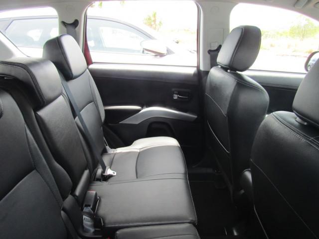 2011 MY12 Mitsubishi Outlander ZH MY12 LS Suv Image 5
