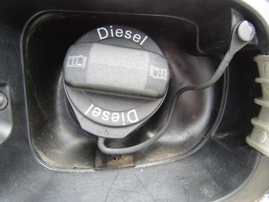 2007 Volkswagen Jetta 1KM  TDI Sedan Image 12